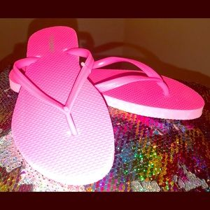 🆕 Pink Old Navy Woman Flops Size 6 Sold as is